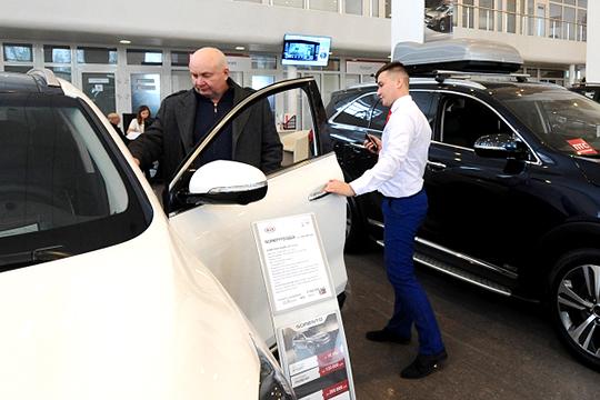 Провал почти на 5% — такова неутешительная динамика спроса на новые легковые авто в Татарстане в 2019 году. В Казани дела шли еще хуже: регистрации сократились на 6,5%